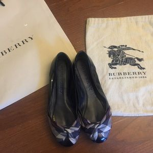 AUTHENTIC BURBERRY:Black,Leather&Nova Check Flats